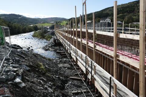 Krevende å bygge E6 i elva