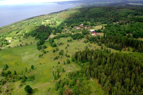 Byn Öland med Gränna i bakgrunden