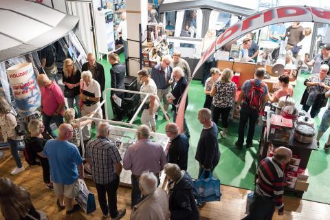 Många människor samlades på årets Elmia Husvagn Husbil i Jönköping
