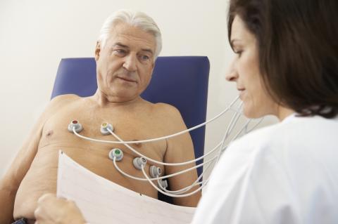 Kombinasjonsbehandling med Pradaxa® (dabigatraneteksilat) og enkel platehemming viste lavere forekomst av alvorlig blødning  sammenliknet med trippelbehandling med Marevan og dobbel platehemming hos pasienter med atrieflimmer som gjennomgikk stenting