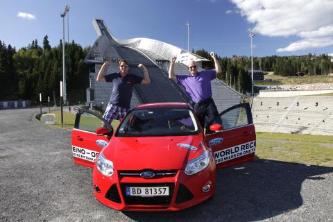 Knut Wilthil og Henrik Borchgrevink satte verdensrekord i økonomikjøring med Ford Focus med den prisbelønte 1.0-liters EcoBoostmotor