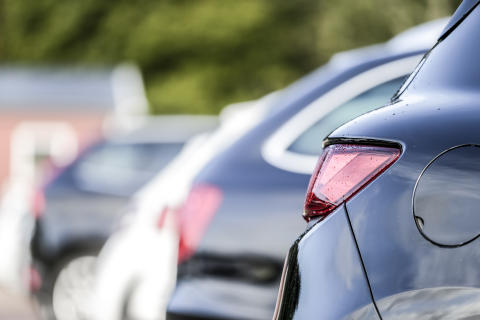 Försäljningstrenden bruten för begagnade bilar