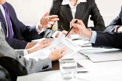 Elektronikbranschen är alltid välkomna till förhandlingsbordet