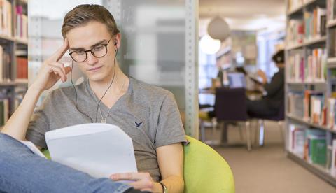 Belyser folkbibliotekets roll i det digitala samhället