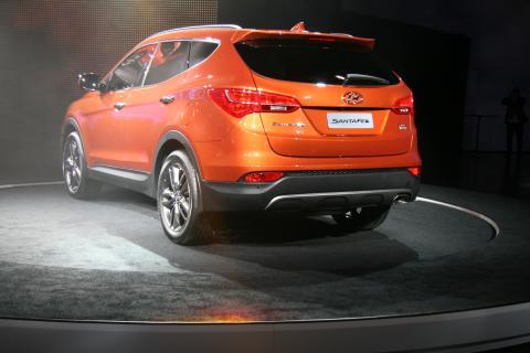 Nye Hyundai Santa Fe; bakfra skrått, venstre