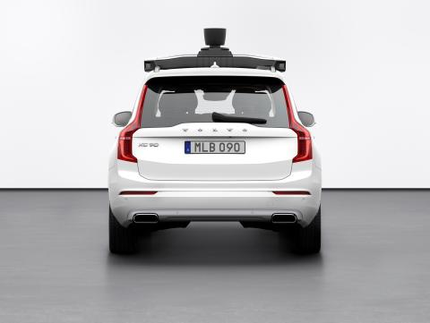 Volvo_Cars_and_Uber_present_production_vehicle_ready_for_self-driving  4
