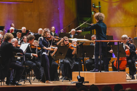 Patricia Kopatchinskaja, Santtu-Matias Rouvali och Göteborgs Symfoniker, Point Music Festival 2019. Foto: Francis Löfvenholm.