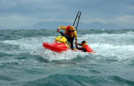Världens förmodligen mest effektiva räddningsbåt tillverkas i Kungälv