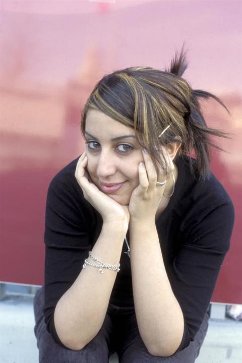 Stadsbiblioteket: Fransk-algeriska författaren Faïza Guène på Sverigebesök!