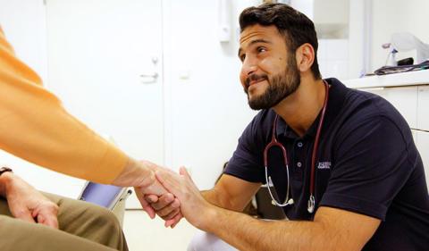 Ny studie visar närståendes tillfredsställelse med vården de tre sista månaderna i livet