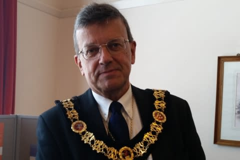 Tunbridge Wells Mayor supports ellenor
