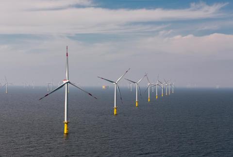 Den havsbaserade vindkraftsparken HelWin1 i Tyskland (300 dpi)