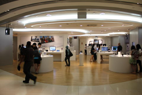 Apple Retailer Using BKB Engineered Wood Flooring