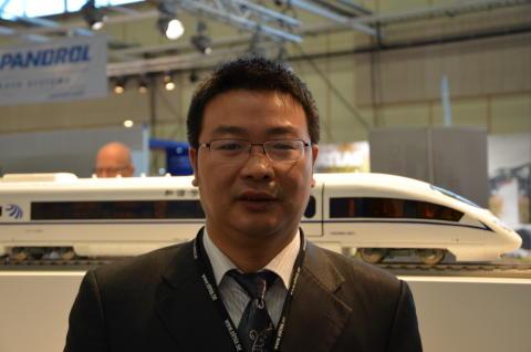 Yu Xing, chefsingenjör på Siyuans internationella avdelning.