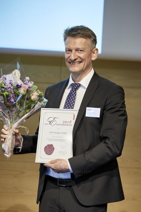 Professor Kurt Gothelf modtager Den danske polymerpris – ATV | Elastyrenprisen 2018