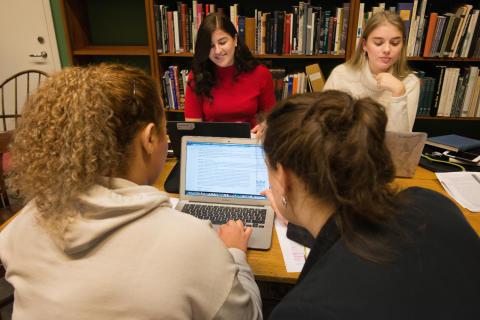 Nordiska museet och Wikimedia Sverige i pilotprojekt där gymnasieelever skriver kulturhistoria