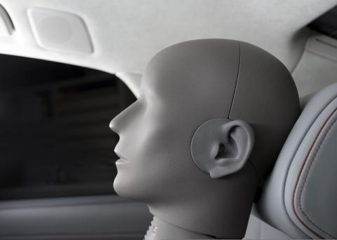 Audi A8 L - 3D-lyd testdukke