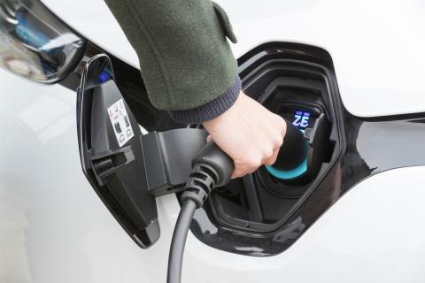E-Fahrzeuge preiswerter laden