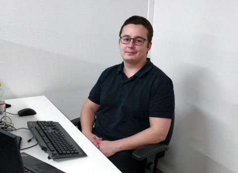 Santeri Tuomisen diplomityön pohjalta syntyi Embot Buddy -ohjelmistorobotti