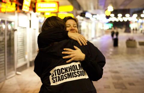 Hemlösa får 155 000 av SL-resenärer i jul