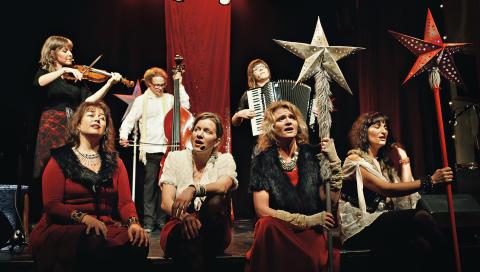 MIDVINTERVAKA - En världsmusikalisk julebrygd