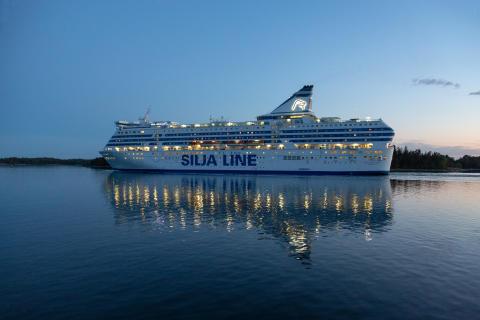 Tallink Grupp ställer in trafiken på rutten Helsingfors-Stockholm med fartygen Silja Serenade och Silja Symphony från 19 mars 2020