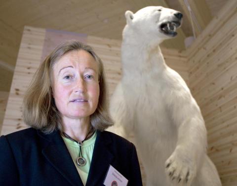 Jägarnas Riksförbund känner stark oro för den kraftigt vikande tilltron till regeringens rovdjurspolitik.