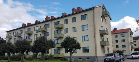 In- och utvändig renovering av 4 hus tot 115 lgh i Halmstad