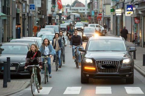Aangenaam fietsen vraagt meer dan zone 30. Fix the Mix!
