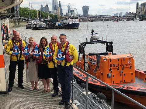 Fred. Olsen-related companies support the Royal National Lifeboat Institution with £10,000 donation