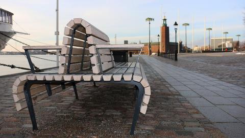 Riddarholmen bänk, design Andersson & Jönsson för Nola.