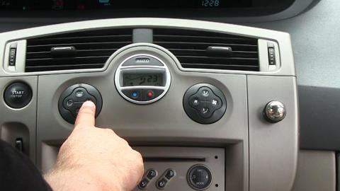 Den varme sommeren skaper uvante utfordringer for moderne biler