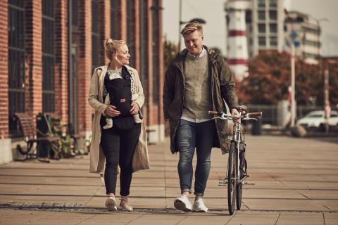 Walk  with bike with Omni
