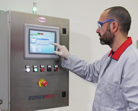 Henkels nya digitala flerkanaliga styrenhet Bonderite E-CO DMC hjälper kunderna optimera prestanda och kostnad för metallförbehandling