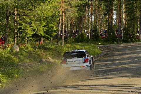 Så långt gick allt bra för Andreas Mikkelsen men på sträcka fem var det slutåkt
