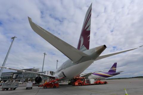 Tolv millioner passasjerer første halvår