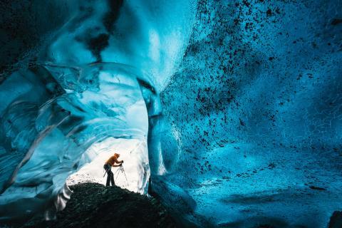 Sony zeigt die spektakuläre Schönheit von Eishöhlen in Island