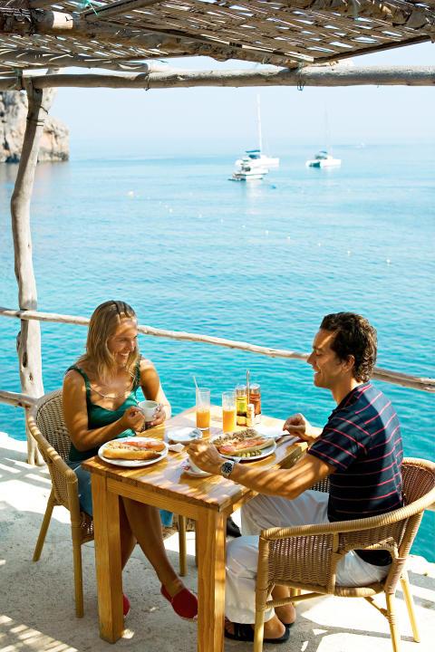 Spies fylder i år 60 år. Ligesom dengang er Mallorca også i dag en af de vigtigste destinationer med 36.500 gæster i 2015.