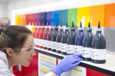 Globala leverantören av material och utrustning för tryckerier Flint Group väljer OPTIWAREs OEE-lösning för att optimera produktionen
