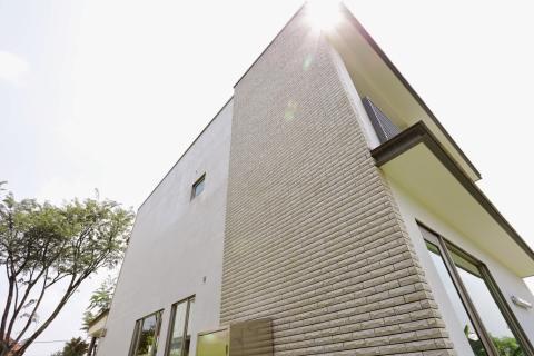 Mass-market green living: Net-zero homes