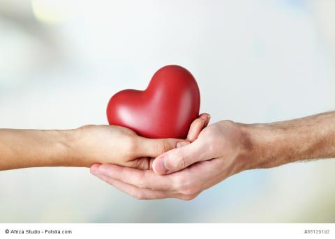 """goDentis informiert zum Tag der Zahngesundheit: """"Ein Herz für Zähne – eine Herz für die Menschen"""""""