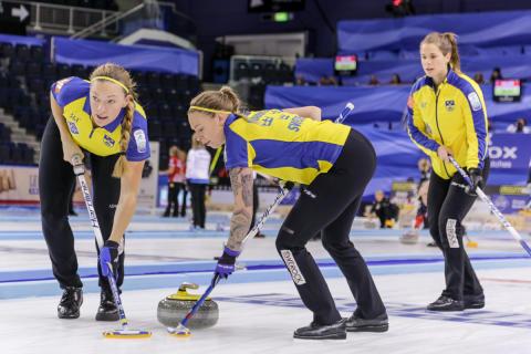 Curling-EM: Viktig seger för lag Hasselborg mot Schweiz