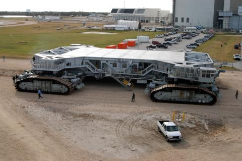 No8 Crawler Transporter