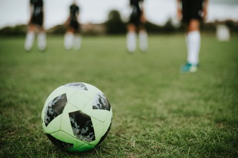 Dansk fodbold ruller derudaf