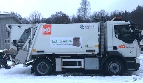 Ny entreprenör hämtar dina sopor  - de orangea sopbilarna blir vita