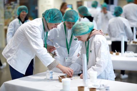 6. klasseelever skal udvikle deres egen yoghurt på Arlas innovationscenter