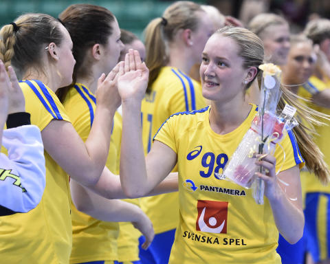 Åtta spelare från U19-VM med till Euro Floorball Tour - Här är hela U19-damlandslagets trupp