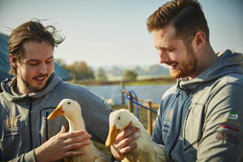 Svenska Kocklandslaget tävlar med anka från Viking Fågel