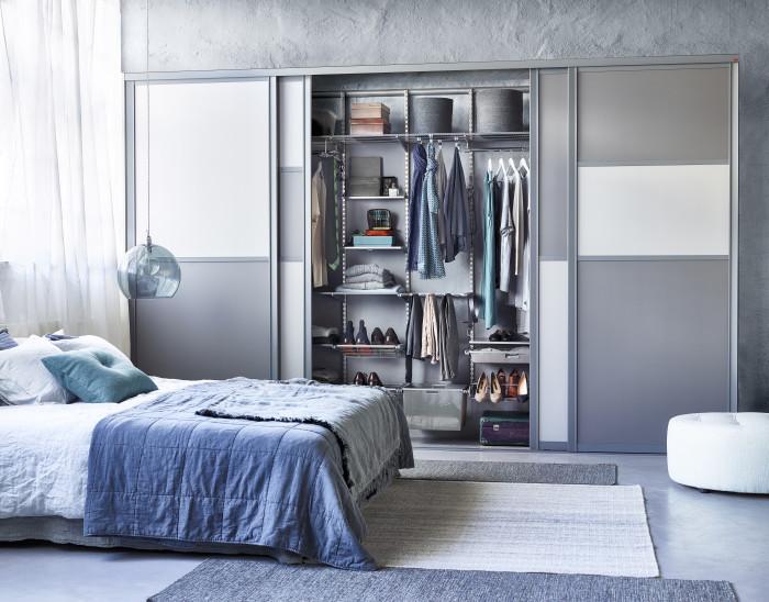 Skydedøre og garderobeindretning i soveværelset   elfa lumi a/s