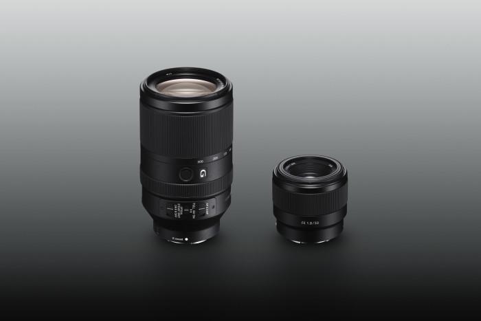 Nowe obiektywy Sony FE do korpusów z pełnoklatkową matrycą obrazu:  zmiennoogniskowy model 70–300 mm o wysokiej rozdzielczości i stałoogniskowy 50 mm F1,8